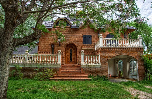 Fachadas clasicas todo fachadas for Casas rusticas de ladrillo