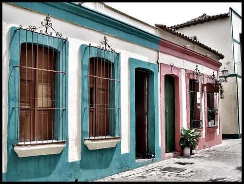 Fachadas coloniales todo fachadas for Imagenes de casas coloniales