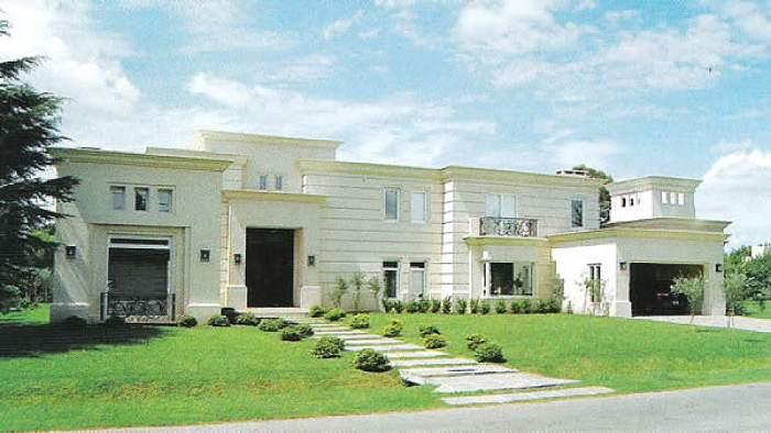 Fachadas clasicas fachadas de casas for Decoracion de casas clasicas