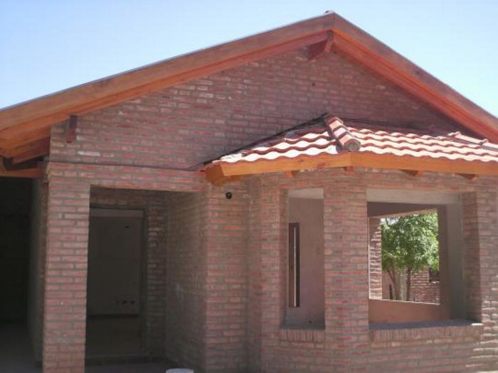 Fachadas de casas de ladrillo todo fachadas for Casas rusticas de ladrillo