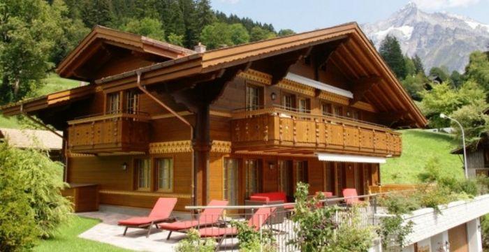 Fachadas swiss chalets fachadas de casas for Fachadas chalets clasicos