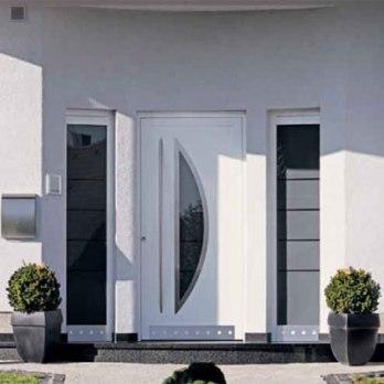 puerta de fachada