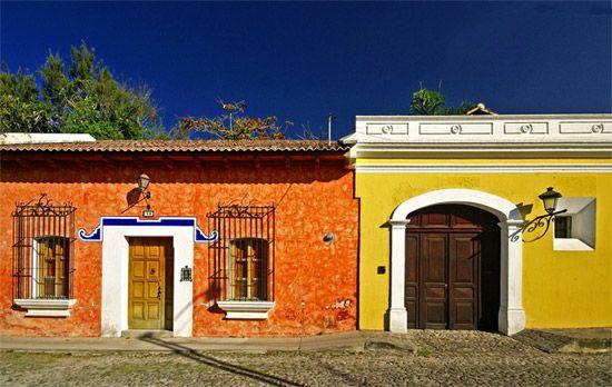 Fachadas coloniales mexicanas todo fachadas for Fachadas de casas mexicanas rusticas