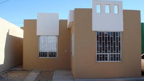 Fachadas casas INFONAVIT