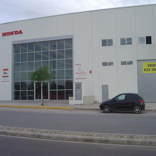 Fachadas de oficinas fachadas de casas for Fachadas oficinas modernas