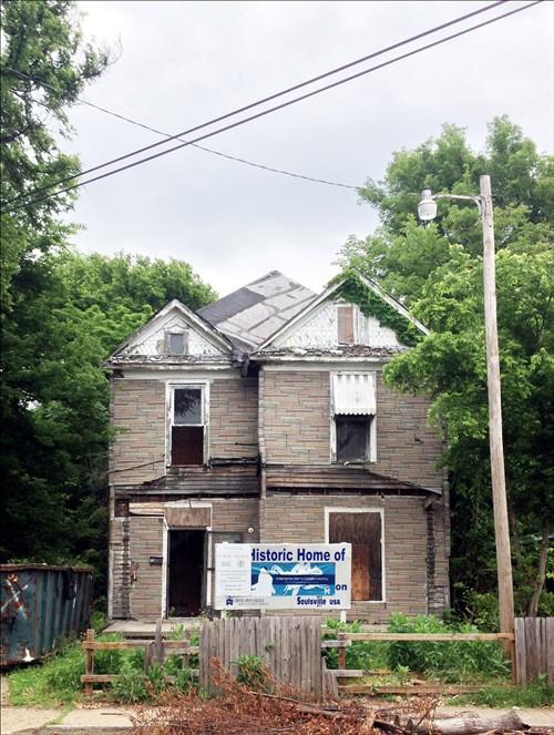 Restauraci n de fachada en honor a un m sico fachadas de - Restauracion de casas ...