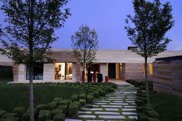 Casas modernas de una planta fachadas de casas for Fachada de casa moderna de una planta