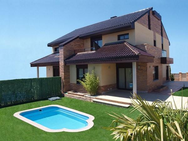 Piscinas que acompa an el estilo de la fachada todo fachadas for Tipos de piscinas para casas