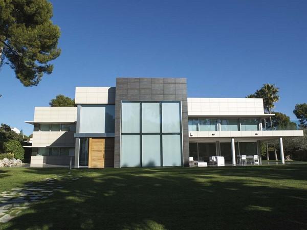Tipos de ventanas para fachadas modernas fachadas de casas for Fachadas de ventanas para casas modernas