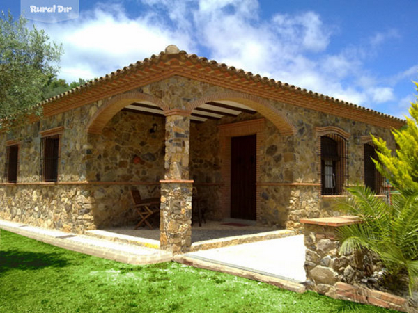 Lo bonito de las fachadas de ladrillo y piedra fachadas for Fachada de casas modernas con piedras