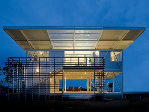 Una bonita casa frente al mar fachadas de casas for Casa moderna frente al mar