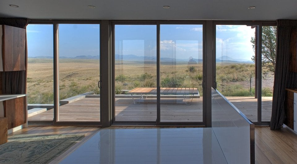 Diseño con amplias ventanas