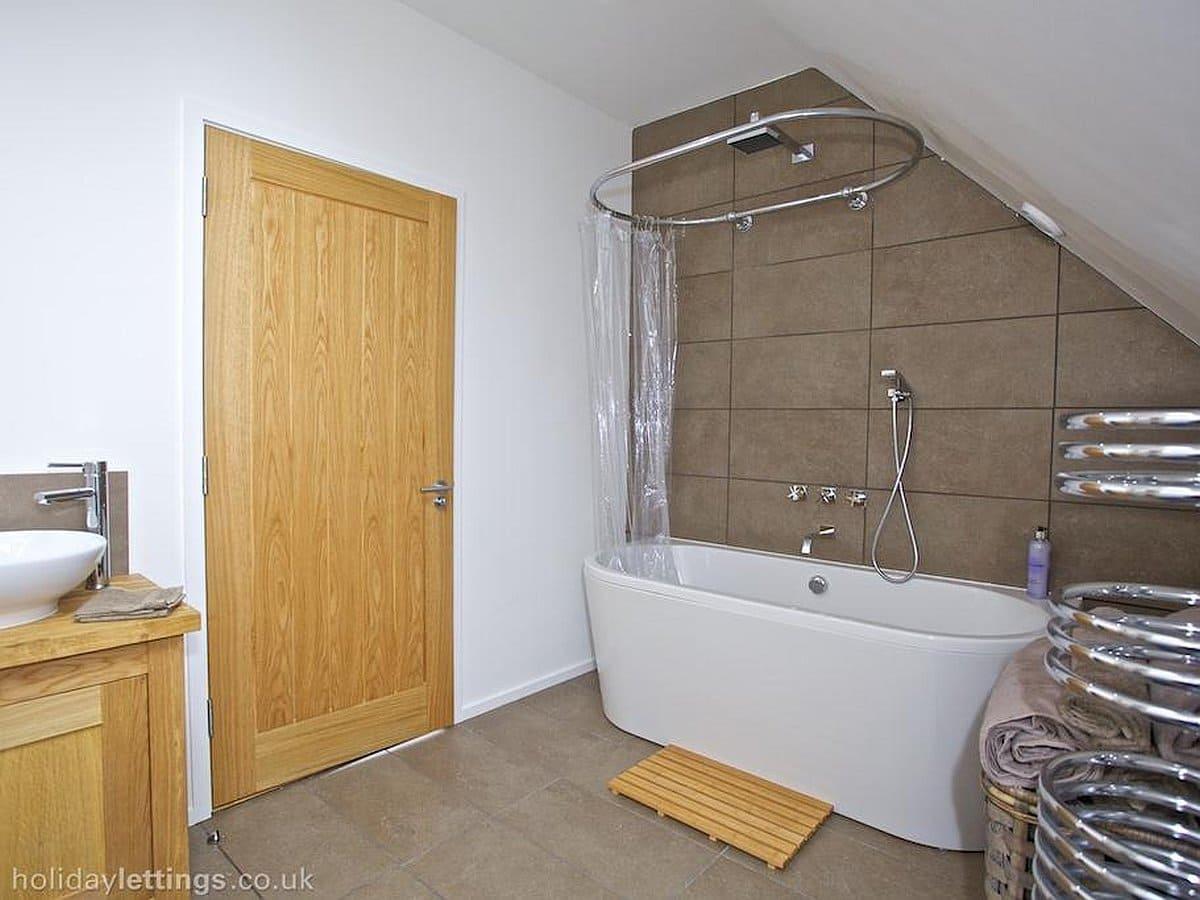 Un baño sencillo pero moderno
