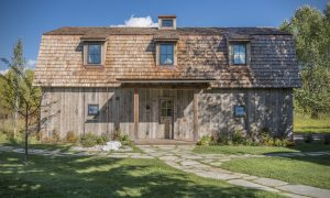 Casa estilo tradicional-antiguo que ofrece elementos sorpresa para los visitantes