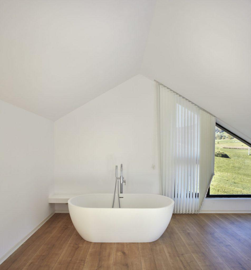 Un diseño moderno de bañera