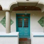 Un hogar muy colorido en Rumania revive el diseño tradicional con la mejor experiencia
