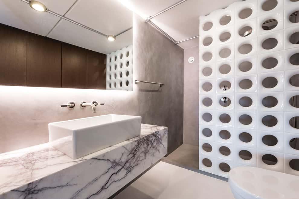 Diseño excelente de pared para el baño