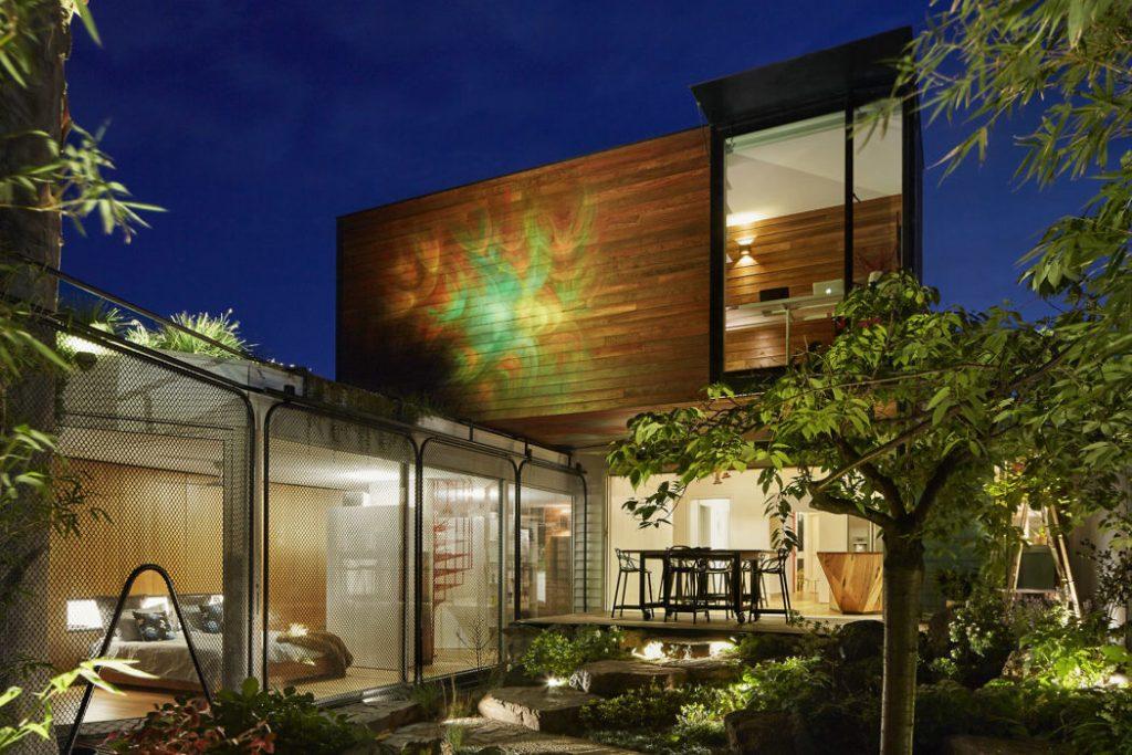 Diseño  moderno en la noche